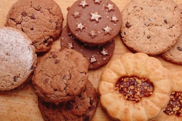 数種類のクッキー