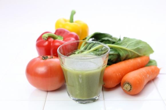 野菜ジュースと野菜